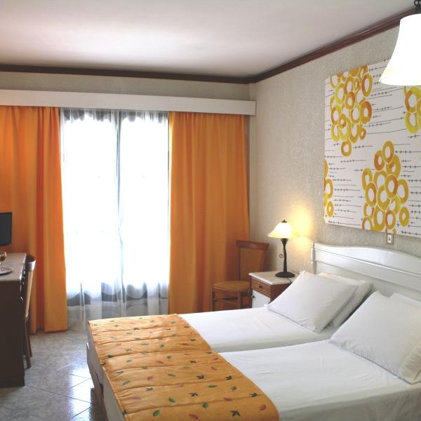 Hydrele Beach Hotel